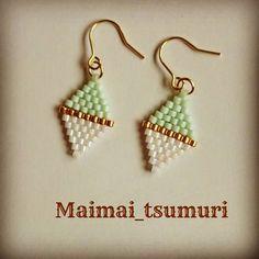 Brick Stitch Earrings, Seed Bead Earrings, Diy Earrings, Loom Bracelet Patterns, Bead Loom Bracelets, Bead Jewellery, Beaded Jewelry, Beaded Crafts, Peyote Beading