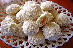 Kokosschneebällchen, ein beliebtes Rezept aus der Kategorie Kekse & Plätzchen. Bewertungen: 6. Durchschnitt: Ø 3,8.