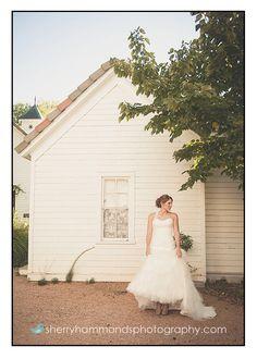 Bridal portrait @ Barr Mansion and Artisan Ballroom, in Austin TX.   © Sherry Hammonds Photography