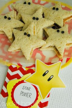 21 Super Mario Brothers Party Ideas and Supplies - These Super Mario Bros Star Power Sandwiches are delightful and perfect for Mario and Luigi's par - Super Mario Party, Super Mario Bros, Super Mario Birthday, Mario Birthday Party, Super Mario Brothers, 5th Birthday, Birthday Ideas, Bolo Do Mario, Bolo Super Mario