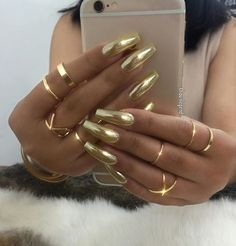 Nail polish gold chrome nails coffin shape designs black metallic and sparkle mirror silver shiny blue matte green colors holographic rose glitter red Fabulous Nails, Gorgeous Nails, Pretty Nails, Perfect Nails, Gold Chrome Nails, Gold Coffin Nails, Gold Stiletto Nails, Gold Acrylic Nails, Gold Manicure