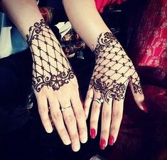 40 Best Indian Mehndi Designs For Hands This Season