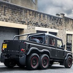 Looking forward to exhibiting this at the Geneva Motorshow 3-13 March 2016.  Price 150000  First year allocation sold out!  Coachbuilt 6x6 Land Rover Defender crewcab pickup 'Flying Huntsman' Made In Great Britain - Calling all suppliers engineers and manufacturers email me with your services if you wish to get involved!  kahn@kahndesign.com  ________________________________________#kahndesign #fitness #4x4 #chelseatruckcompany #landrover #landroverdefender #defender #g6x6 #g55 #g63 #amg…