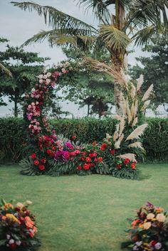 This stylish Bali destination wedding has the dreamiest tropical reception - 100 Layer Cake Bali Wedding, Wedding Stage, Wedding Ceremony, Deco Floral, Floral Arch, Outdoor Wedding Decorations, Ceremony Decorations, Balloon Installation, Ceremony Backdrop