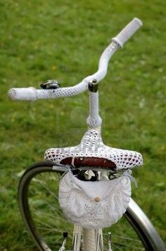 adore. I want to make a crochet bike seat cover but haven't the faintest clue how...