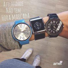 Felicidade não tem hora pra chegar então seja feliz toda hora!