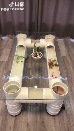 Interesting idea for an aquarium. interesting idea for an aquarium diy coffee table Fish Tank Coffee Table, Diy Coffee Table, Pallet Furniture, Furniture Ideas, Diy Home Decor, Home Goods, Diy And Crafts, Easy Diy, Diy Projects