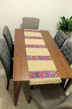 Hand woven table runner Chiapas / Mexican textile table runner / woven decorative tablecloth /embroidered boho tablecloth / camino de mesa