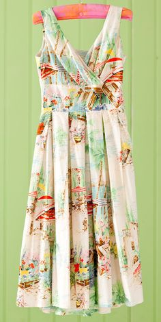 totally vintage fabric....great dress