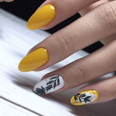28 Beautiful flower nails design for yellow short nails ideas - Latest Fashion Trends For Woman Cute Acrylic Nails, Cute Nails, Pretty Nails, Yellow Nails Design, Yellow Nail Art, Flower Nail Designs, Nail Art Designs, Manicures, Nail Manicure