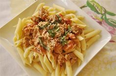 Creamy Tomato and Sausage Pasta « « Portland Mama Portland Mama  Made this with Tomato basi pasta sauce in place of the basil and diced tomatoes. Everyone loved it.