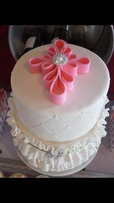 Baptism cake. Replace pink color for gold or mint