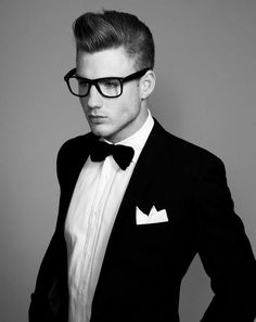 Men's Fashion tips. Dress with dapper and wear the proper attire with our men's style guide. Find male grooming advice, the best menswear and helpful tips. Fashion Moda, Look Fashion, Mens Fashion, Suit Fashion, Mode Masculine, Sharp Dressed Man, Well Dressed Men, Thomas Davenport, Tuxedo For Men
