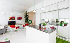 Värikkäitä yksityiskohtia keittiössä