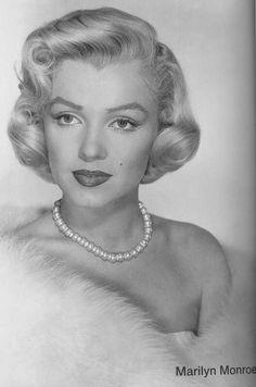 The beautiful Miss Marilyn/ Norma Jean Old Hollywood Glamour, Vintage Glamour, Vintage Beauty, Classic Hollywood, Vintage Hollywood, 50s Glamour, Hollywood Divas, Vintage Style, Gentlemen Prefer Blondes