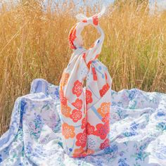 Beautiful Japanese Apricot Blossom Furoshiki Wrap! Elegant Gift Wrapping, Apricot Blossom, Furoshiki Wrapping, Kimono Pattern, Nice To Meet, Paper Gifts, Geometric Designs, Stuff To Do, Weaving