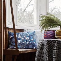 Marimekko's Mynsteri pillows, Orkanen pillows East Street, Marimekko, Quilts, Blanket, Pillows, Bed, Home, Stream Bed, Quilt Sets