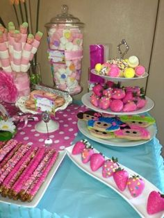 Sweet table set ups