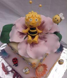 Maya the bee cake for Olivia birthday                                                                                                                                                                                 Mehr