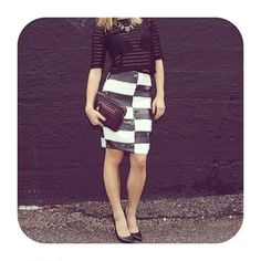 Looking just right for Saturday night @swankboutique #WillowClay #OOTN #ShadowStripeTee #SaturdayNightOutfit www.willowclay.com