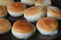 Gogosi de post - CAIETUL CU RETETE Hamburger, Cake Recipes, Deserts, Drag, Food, Romanian Recipes, Sweets, Kuchen, Easy Cake Recipes