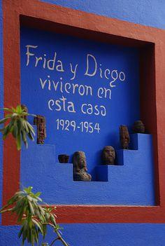 La casa azul, de Frida y Diego en Coyoacán, Ciudad de México. Está bien cerquita de nuestros Cuarteles Generales.