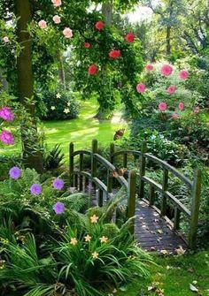 21 Ideas Garden Boxes Landscaping Plants For 2019 Farmhouse Landscaping, Farmhouse Garden, Fence Landscaping, Garden Cottage, Luxury Landscaping, Landscaping Software, Landscaping Company, Rustic Garden Decor, Rustic Gardens