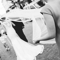 Paseo hacia la iglesia #bodas #bodas2016 #weddingphotography #wedding #bodascordoba #photo #photography #novias #cordobaspain #cordoba #love #beautiful #girl #amazing # photooftheday #b&n