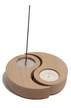 The incense burner HELIX /  Le porte-encens HELIX (érable massif). Objet divisible, le porte-encens et bougeoir HELIX créé une ambiance propice à la méditation ou, tout simplement, insuffle un équilibre chaleureux à votre intérieur Diy Incense Holder, Candle Holder Decor, Wooden Candle Holders, Polymer Clay Projects, Clay Crafts, Eco Bathroom, Creative Arts And Crafts, Pottery Sculpture, Deco Table