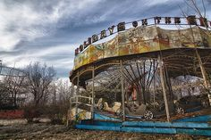 Abandoned Amusement Parks - part 2 Does nobody else find this terrifying?