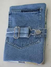 http://andreafavier33.blogspot.com/2013/05/diferentes-manualidades-con-jeans.html