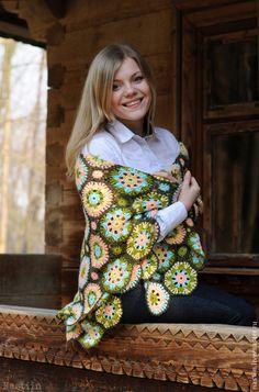 Яркая шаль, вязанная крючком — работа дня на Ярмарке Мастеров. Узнать цену и купить: www.livemaster.ru/nastiin   Handmade crochet shawl #craft #crochet #handmade #colorful #beautiful #shawl