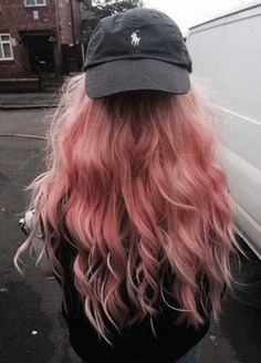 rubin-extensions.com | long hair | grunge | pink | curly hair | hair extensions