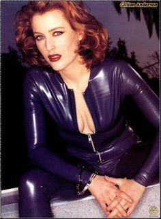Gillian Anderson - Photo posted by schpolarlicht