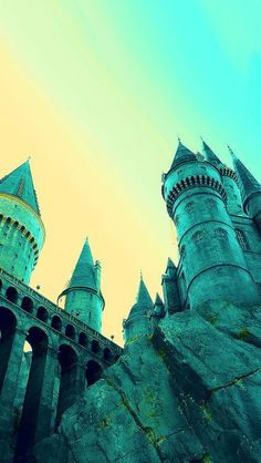 Hogwarts is so beautiful Harry Potter Tumblr, Images Harry Potter, Harry Potter Love, Harry Potter World, Desenhos Harry Potter, Gif Disney, Harry Potter Wallpaper, Good Day Song, Dramione
