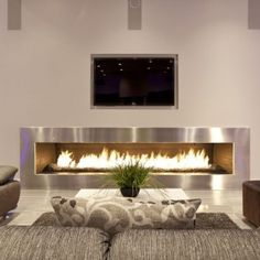 The Hurtado Residence: Contemporary House For Party-Goers: Hurtado Residence Photo 06: The 14-foot Wide Fireplace And Media Wall