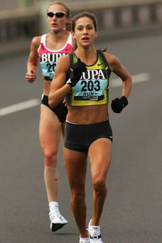 The Middle Miles: Gear Review: Kara Goucher's Running for Women: From First Steps to Marathons