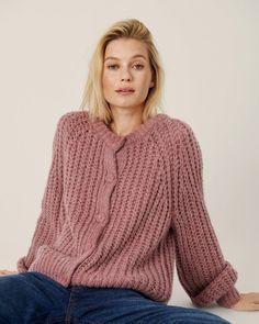 Knitwear - Moss Copenhagen - Jilletta Heidi Cardigan Copenhagen, Jumpsuit Dress, Best Sellers, Shirt Blouses, Bag Accessories, Knitwear, Pullover, Wool, Tees