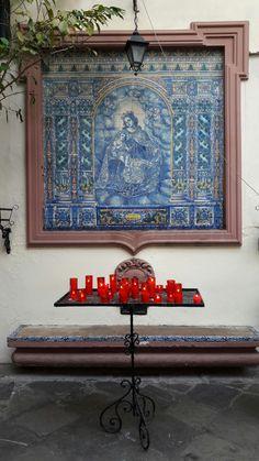 Sevilla. Azulejo en el compás del Convento de San Antonio Abad. Iglesia del Silencio.