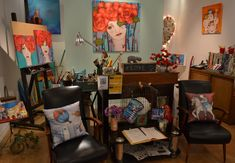 Actitud Creativa KARINA CHAVIN / Circo Golondrina Interior Design Certification, Environmental Art, Acrylic Paintings, Furniture, Home Decor, Drawings, Attitude, Creativity, Picture Walls