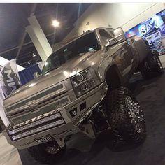 Chevy Silverado dually at SEMA 2014 Dually Trucks, Lifted Chevy Trucks, Gm Trucks, Chevrolet Trucks, Diesel Trucks, Cool Trucks, Pickup Trucks, Lifted Dually, Chevy Duramax