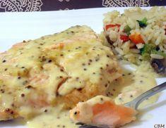 Saumon mayo et Dijon | recettes.qc.ca Mustard Salmon, Egg Rolls, Vinaigrette, I Foods, Carne, Seafood, Mashed Potatoes, Vegetarian Recipes, Chicken Recipes