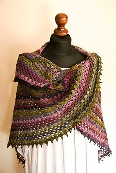 Noro half granny shawl: free #crochet pattern