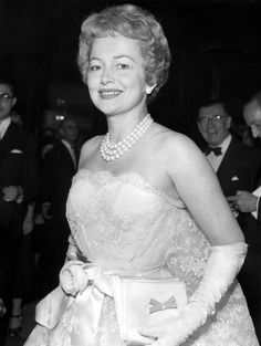 Olivia de Havilland at the premiere of THE PROUD REBEL