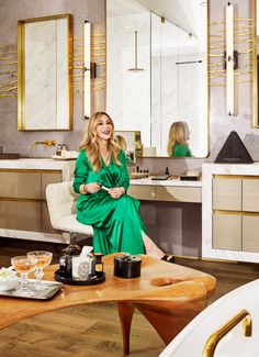 ABH Founder Anastasia Soare's Bathroom Tour: Interview & Video Anastasia Soare, Blonde Waves, Daily Beauty, Hair Tools, Beautiful Bathrooms, Beauty Routines, Anastasia Beverly Hills, Relax, Design Inspiration