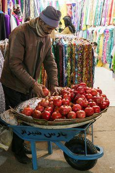 Pomegranates in Vakil bazaar, Shiraz, Iran Shiraz Iran, Qajar Dynasty, Teheran, Iran Travel, Ancient Persia, Persian Culture, Iranian Art, World Cultures, People Around The World