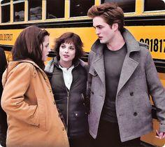 The Twilight Saga Twilight Edward, Alice Twilight, Twilight Film, Twilight 2008, Twilight Saga Series, Twilight Cast, Twilight New Moon, Edward Bella, Twilight Pictures