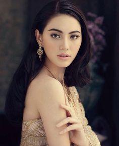 Davika Hoorne Age : 24 y.Ϟ : 16/5/35. Thai-Belgium Ϟ Fc' Mai (ใหม่) Ϟ♡M.  : เหนือมนุษย์ Ϟ ตะวันทอแสง Ϟ นางชฎา Ϟ พี่มากพระโขนง Ϟ ฟรีแลนซ์
