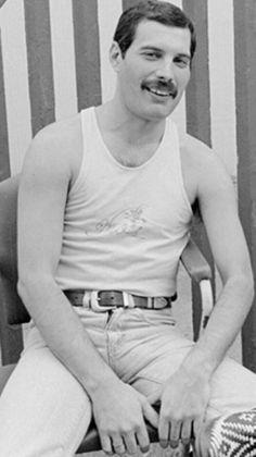 Freddie Mercury Star Citizen, Queen Ii, Ben Hardy, Queen Pictures, Queen Freddie Mercury, Queen Band, John Deacon, Killer Queen, Save The Queen