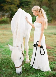 Bride & horse   Atlanta Outdoor Wedding at River Run   Photography: Buffy Dekmar   via oncewed